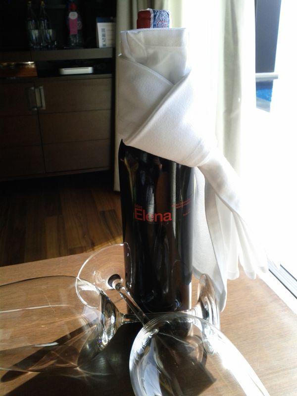 conrad-koh-samui-villa-219-amenity-wine