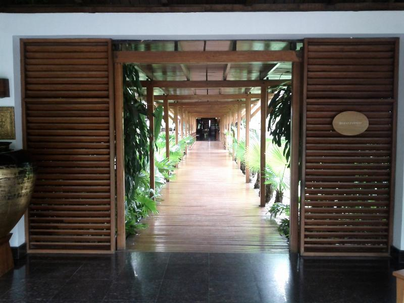 governors-residence-yangon-entrance