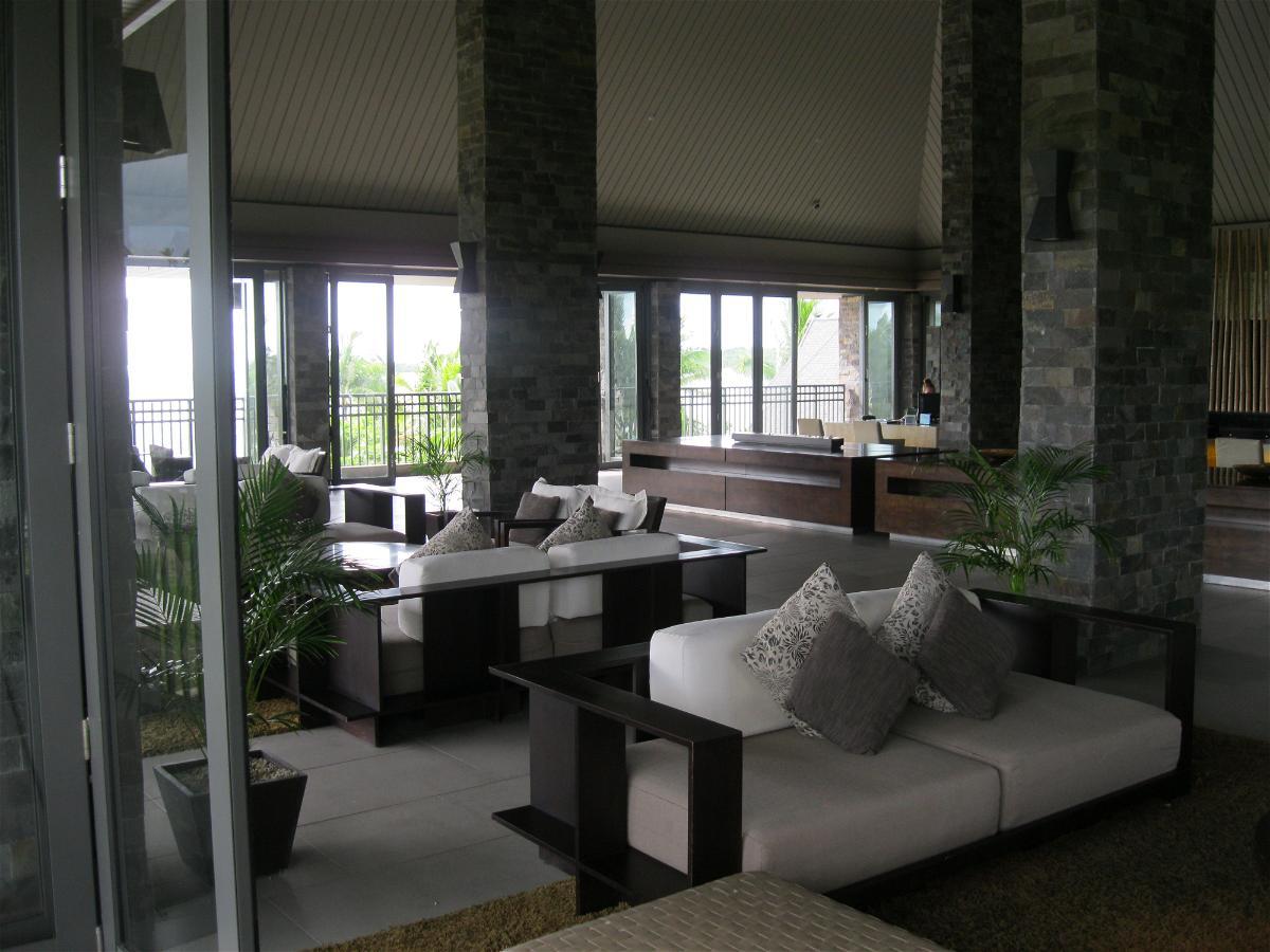 intercontinental-fiji-lobby-sitting-area