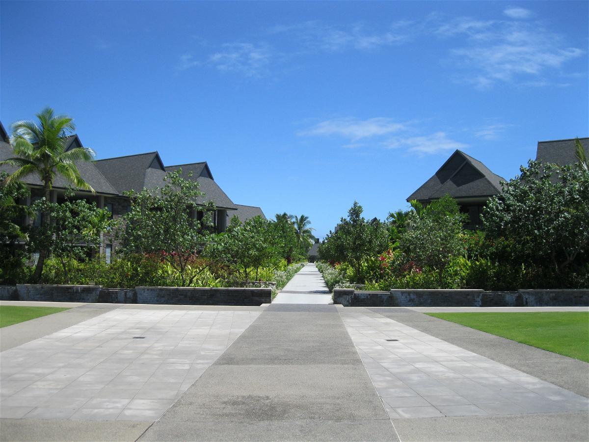 intercontinental-fiji-walkways