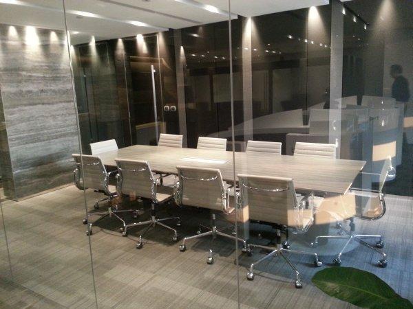 regus-bangkok-exchange-tower-meeting-room