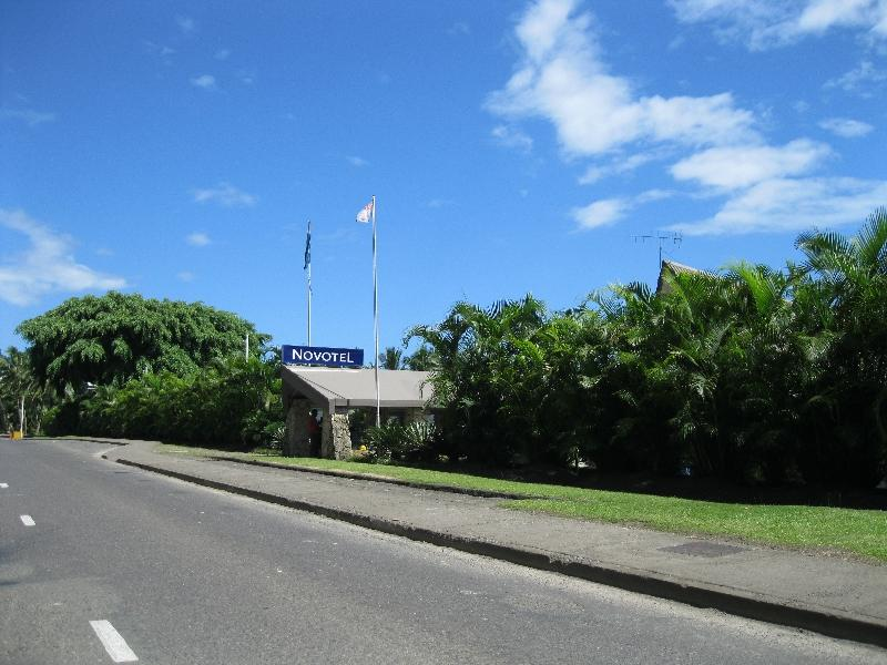 novotel-suva-lami-bay-sign-on-the-highway