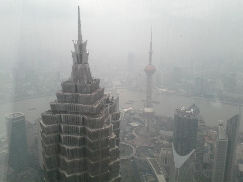 park-hyatt-shanghai-view-from-the-lobby-lounge