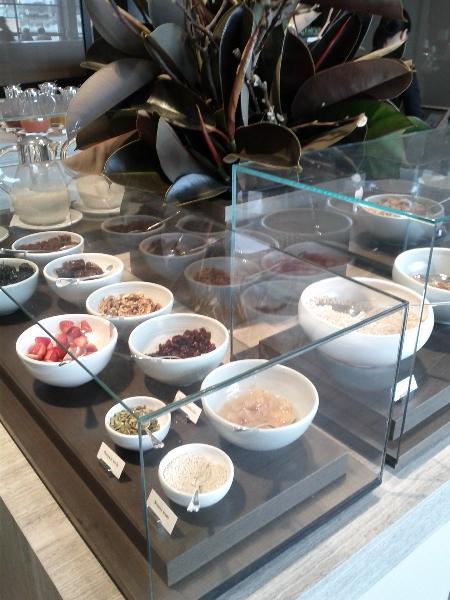 park-hyatt-sydney-breakfast-buffet-cereal
