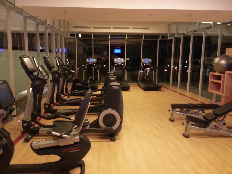 sheratonn-kuta-fitness-center-general-view