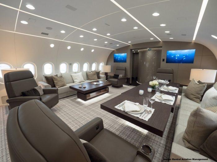 BBJ 787 Dining Lounge
