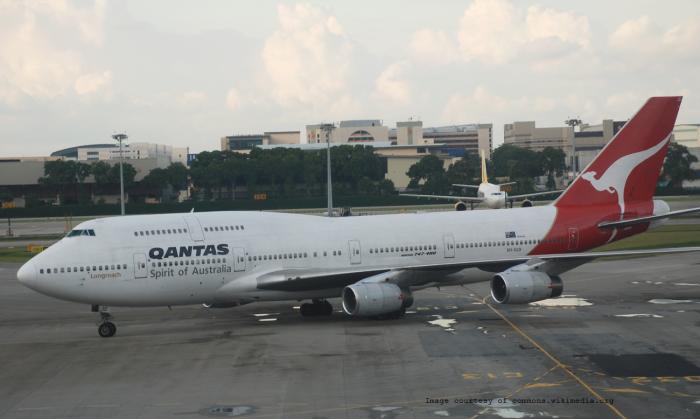 Qantas_Boeing747_Main