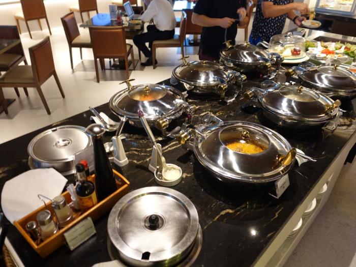 Singapore Airlines New SilverKris Lounge Suvarnabhumi Airport Hot Food