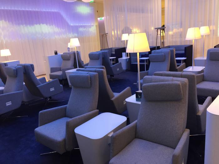 Finnair-LoungeSeating1