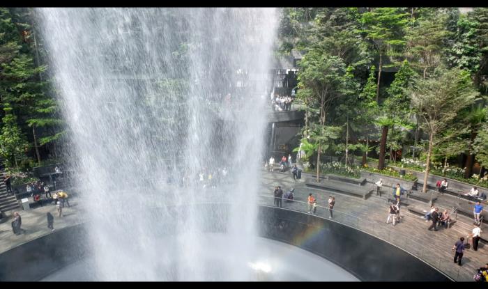 Singapore Changi Jewel Waterfall
